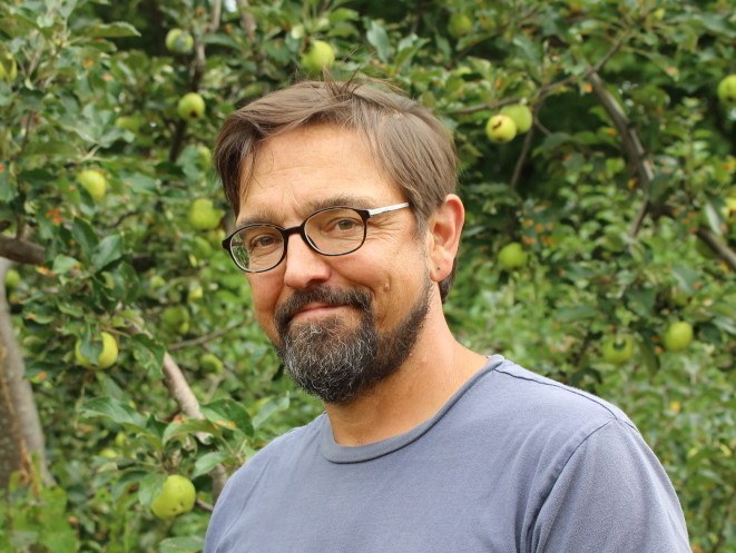 Todd Little-Siebold, a history professor at College of the Atlantic, will talk about how to identify heirloom apples Thursday at the Bucksmills Rod & Gun Club in Bucksport.