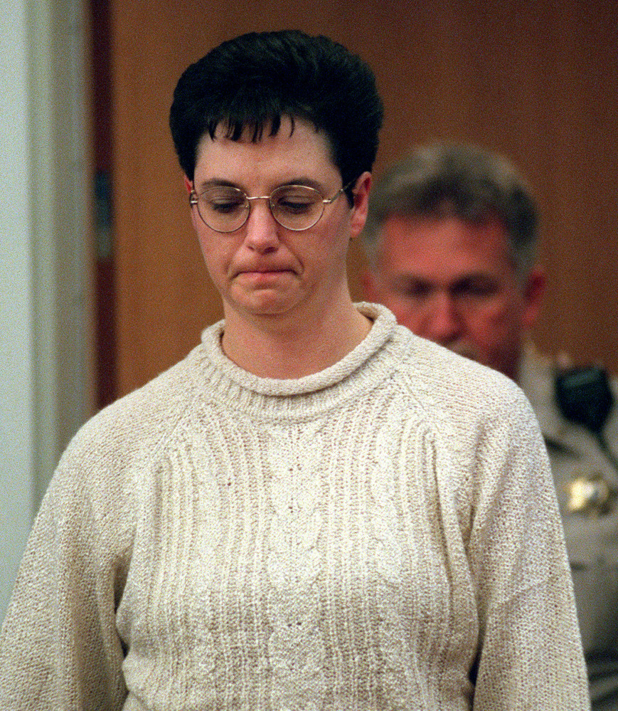 Kelly Gissendaner appears in court during her murder trial in 1998. She was convicted of murder in the February 1997 slaying of her husband, and was executed early Wednesday morning. She conspired with her lover, who stabbed Douglas Gissendaner to death.