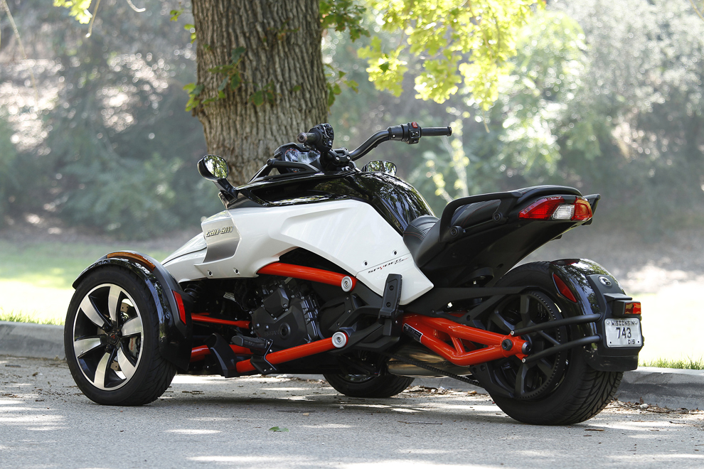 canam spyder newbies will dig it serious bikers not so much central maine. Black Bedroom Furniture Sets. Home Design Ideas