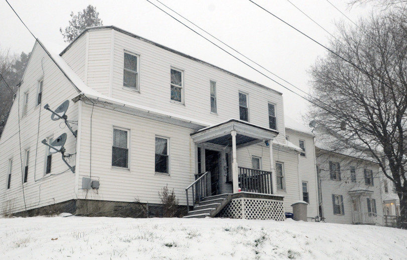 A fire at 37 Winter St. in Gardiner displaced 11 people and the United Way of Kennebec Valley is now raising money to help them.