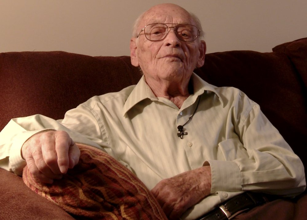 Kurt Messerschmidt, 100, helped fellow prisoners as a cantor at Auschwitz and later was cantor at Temple Beth El in Portland.