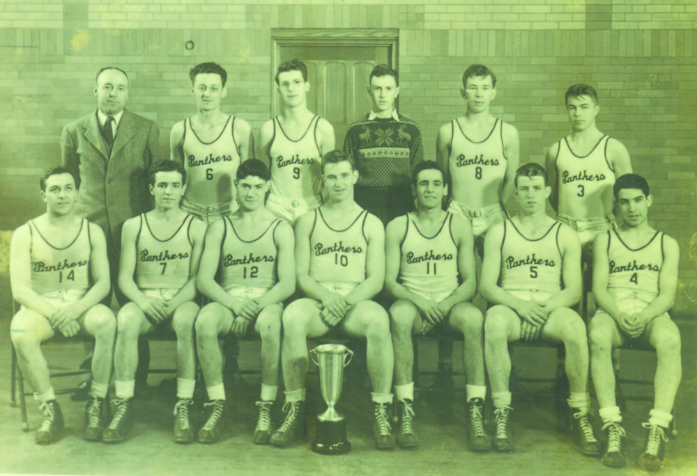 The 1944 Waterville boys basketball team went 27-0 and won the Maine Class A title. The Panthers then went on to win the New England high school championship.