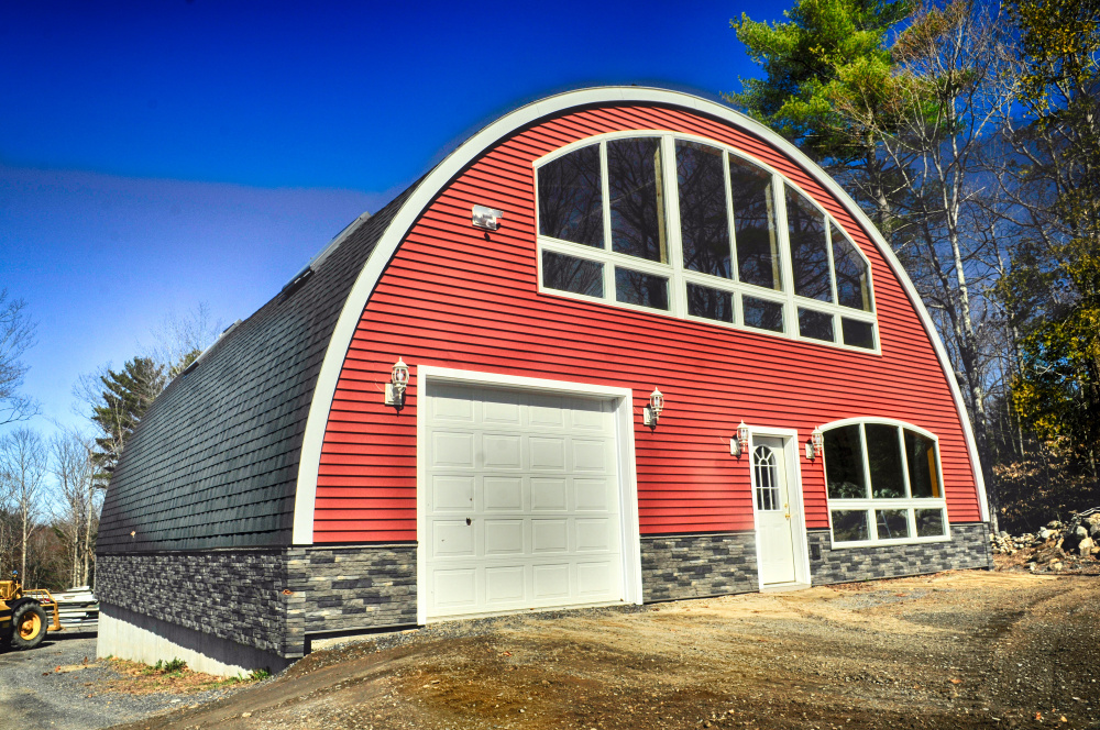 Inventor launches building prototype in west gardiner for Building a house in maine