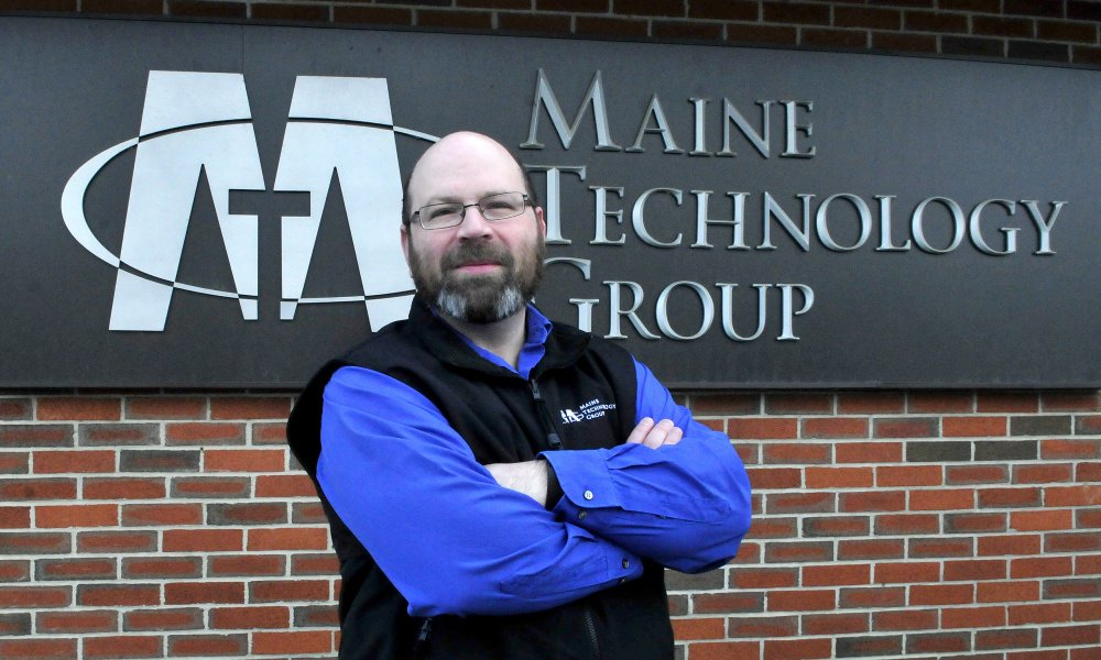 Seth Rogers of Maine Technology Group received the Customer Service Stardom Award from the Mid-Maine Chamber of Commerce.