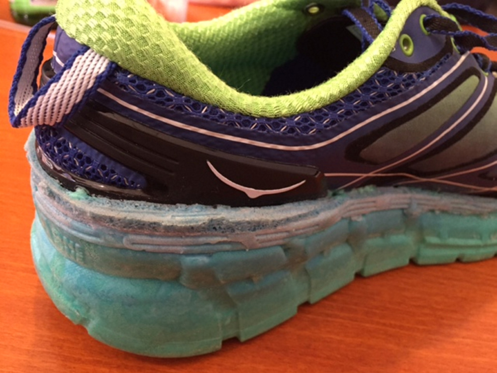 When building a running shoe, Cobbler Technologies' printer can apply layers of different materials without stopping.