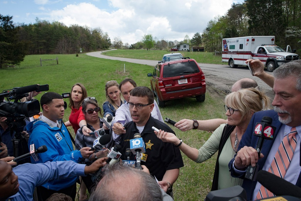 Lt. Michael Preston of the Ross County Sheriff's Department speaks to the media on Union Hill Road near one of the scenes of multiple shootings in Pike County, Ohio, on Friday.