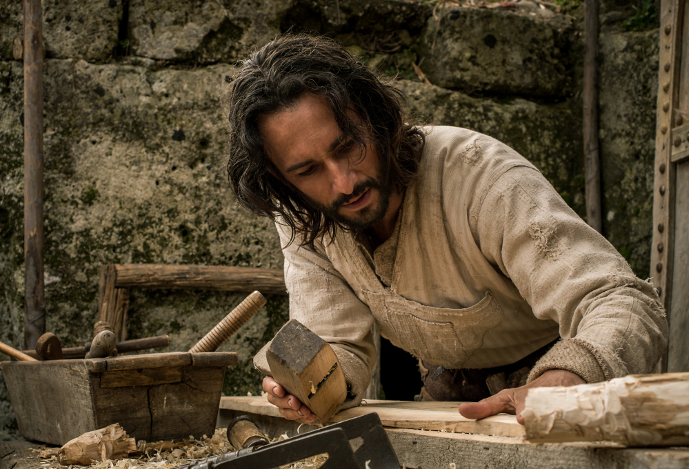 """Rodrigo Santoro portrays Jesus in a scene from """"Ben-Hur."""" The big-budget remake  was trampled under a herd of holdovers and new releases at the box office."""