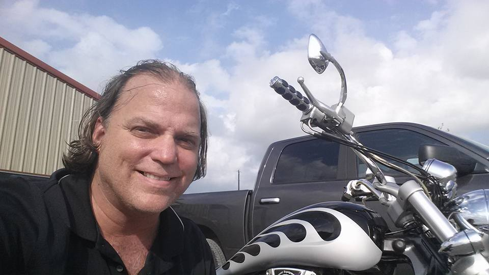 """Alfred """"Skip"""" Nichols, the pilot of a hot-air balloon that crashed in Texas, had a long history of customer complaints against his balloon-ride companies in Missouri and Illinois dating back to 1997."""