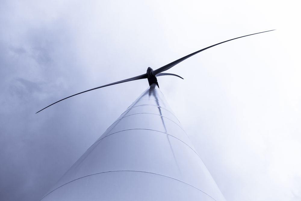 "By 2030, experts expect the average onshore wind turbine to stand about 380 feet tall (from the ground to the ""hub,"" where the rotor attaches) and to have a rotor diameter of 440 feet."