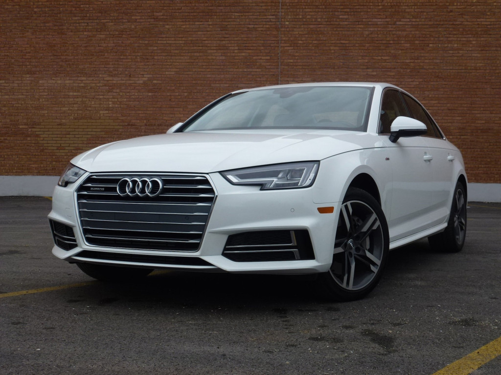 Audi design has been exhibiting sharp lines in recent years, yet differences in Audi's redesigned best-seller are quite subtle, amounting to a slightly reshaped grille and air intakes with new bright trim, more angular head and taillights, and some lightly resculpted body lines.