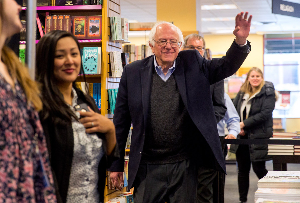Bernie sanders meets and greets at books a million kennebec bernie sanders meets and greets at books a million kennebec journal and morning sentinel m4hsunfo
