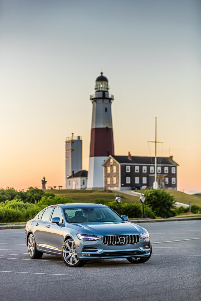 The 2017 Volvo S90 is a standout in a crowded field of me-too luxury sedans.