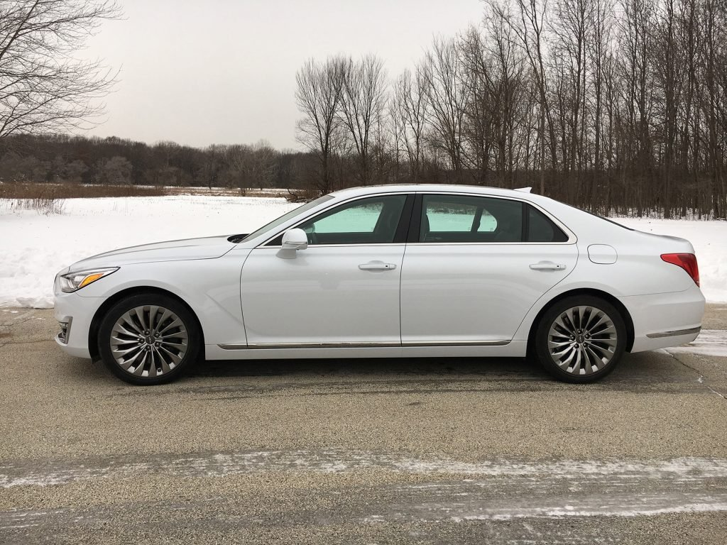 The 2017 Genesis G90 flagship sedan points Hyundai's new luxury sub-brand in the right direction,  with modest luxury.