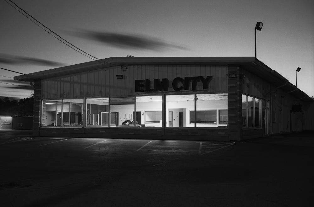 Gary Green, Elm City Motors, College Avenue, Waterville, ME, 2011, archival pigment print, lent by the artist.
