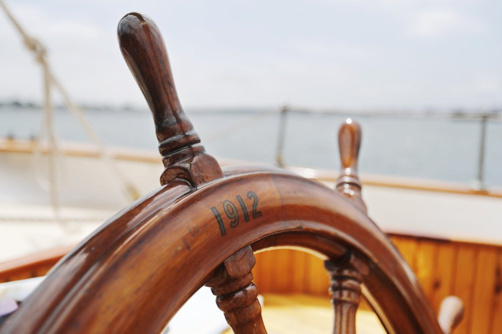 The helm of the Wendameen.