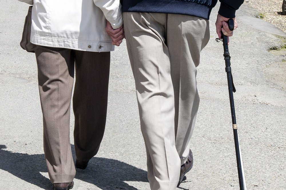 The study suggests that doctors could simply measure their patients' walking speed over time to identify individuals at risk for dementia.