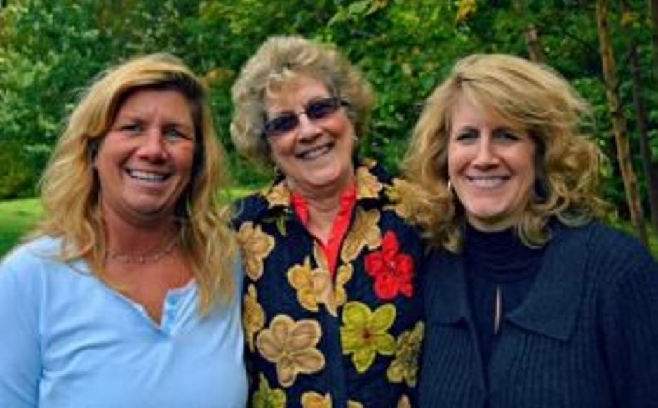 Lori Hayden, left, with her mother, Darla Pickett, and sister Trisha Austin.
