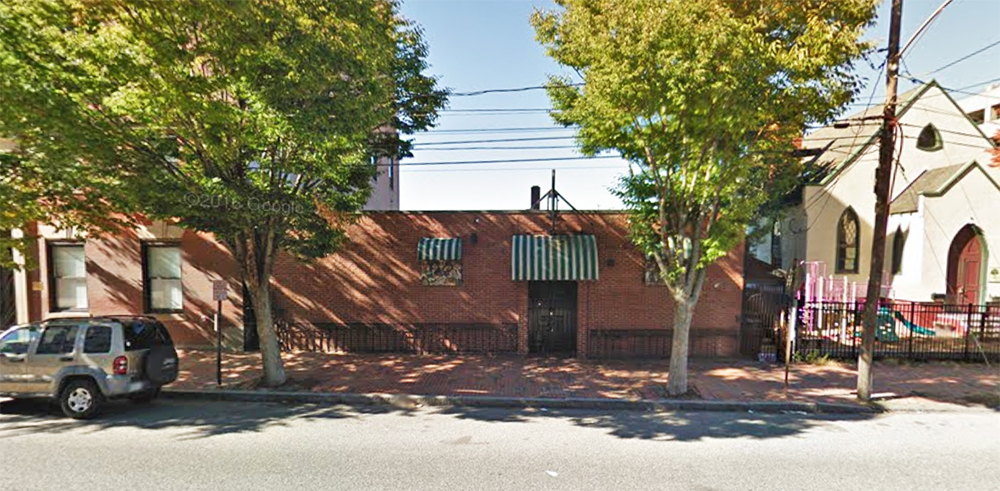 The low-slung brick building on Cumberland Avenue that has housed Maria's Ristorante since the 1970s is on the market for $895,000.