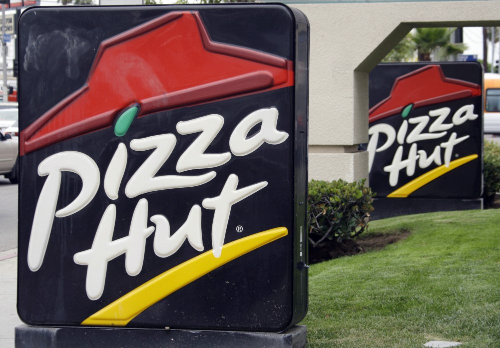 An online coupon offering three free pizzas to celebrate the anniversary of Pizza Hut is a fake.