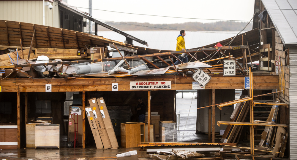 Tens of thousands in central Maine still without power in storm\'s wake