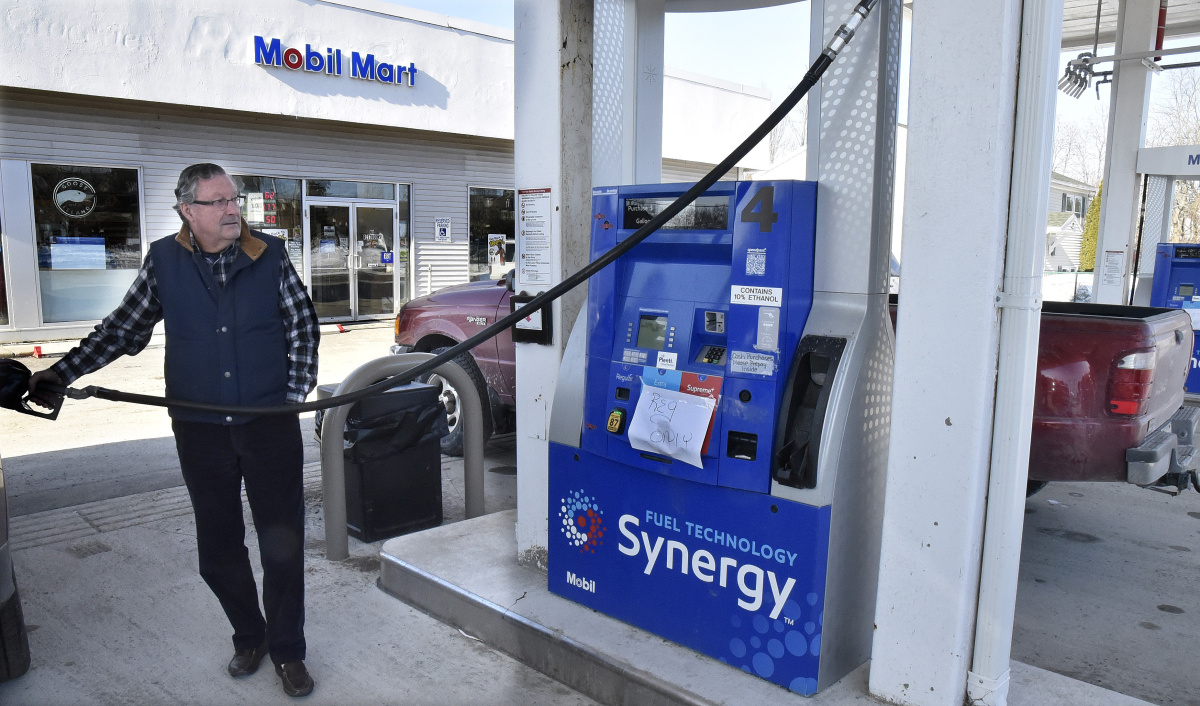 Nearest Mobil Gas Station >> Customers Complain After Fuel From Mobil Station Apparently