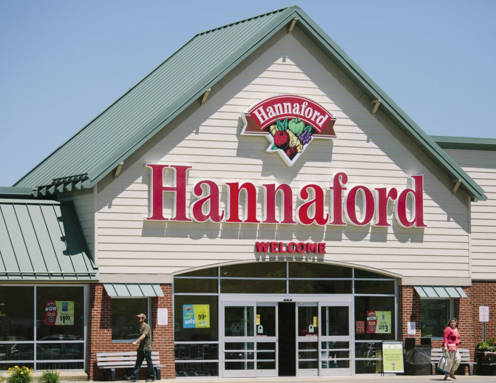 The 250 distribution center workers seeking a new contract are among Hannaford's more than 8,000 employees in Maine.