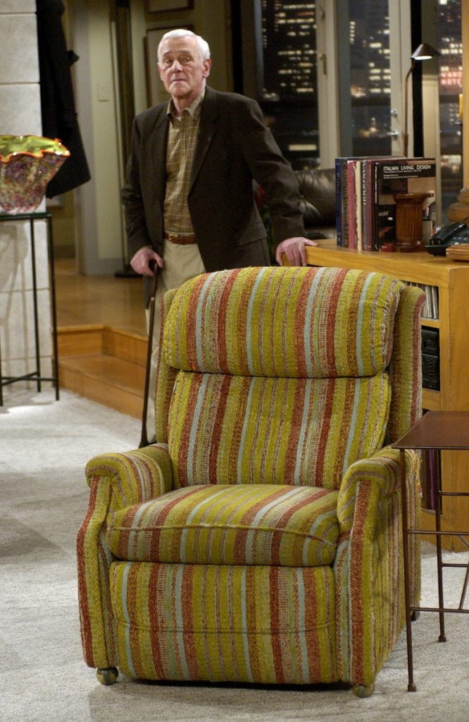 "John Mahoney, who stars as Martin Crane, appears March 23, 2004, on the set during the filming of the final episode of ""Frasier"" in Los Angeles. Mahoney's longtime manager, Paul Martino, said Mahoney died Sunday in Chicago after a brief hospitalization. The cause of death was not immediately announced. He was 77."