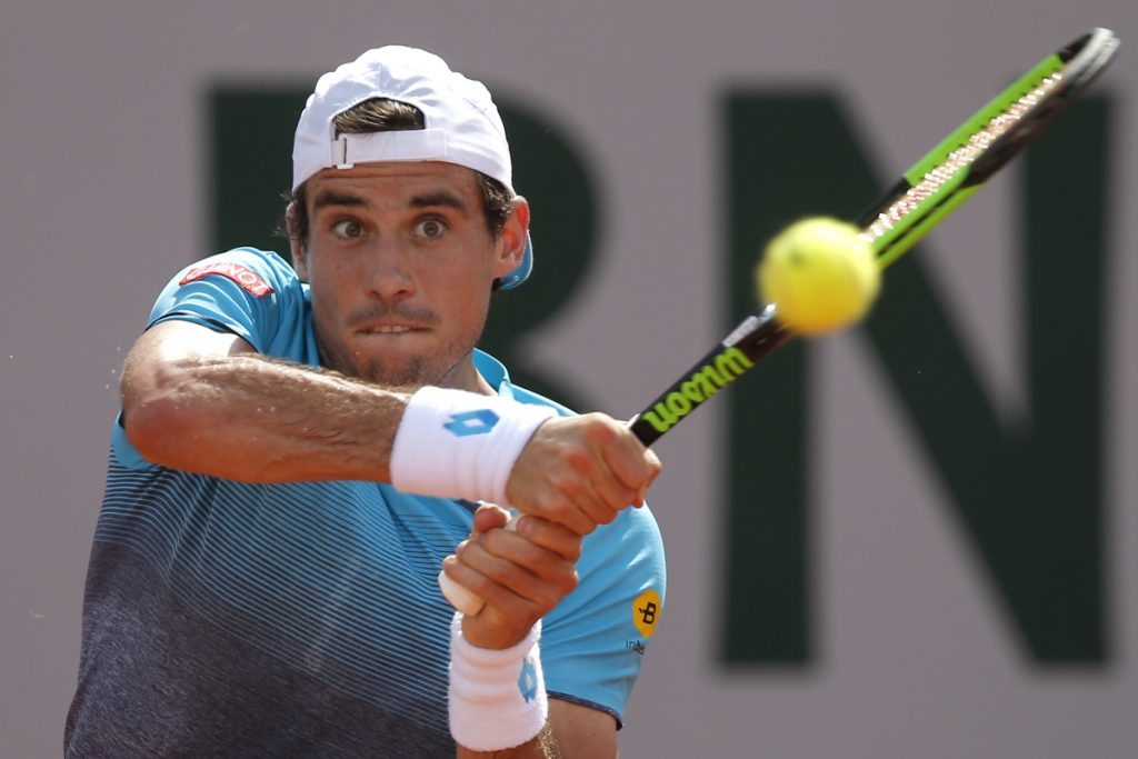 Argentina's Guido Pella returns the ball to Spain's Rafael Nadal during their second round match of the French Open tennis tournament at the Roland Garros stadium, Thursday, May 31, 2018 in Paris. (AP Photo/Michel Euler)
