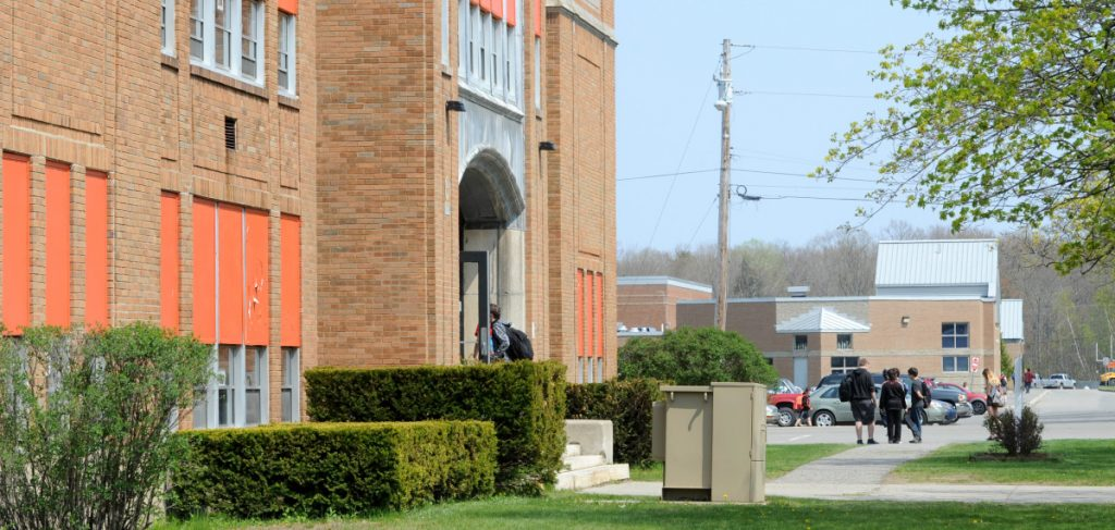 The plan to close Winslow Junior High School and put seventh- and eighth-grade students in the high school and sixth-graders in the elementary school carries a price tag of $8.1 million, less than the original $10.3 million bond that was defeated by some 200 votes last November.