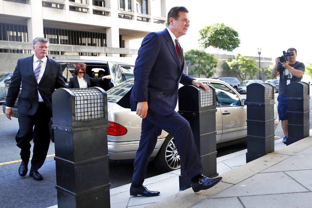 Paul Manafort arrives at federal court Friday in Washington, D.C.