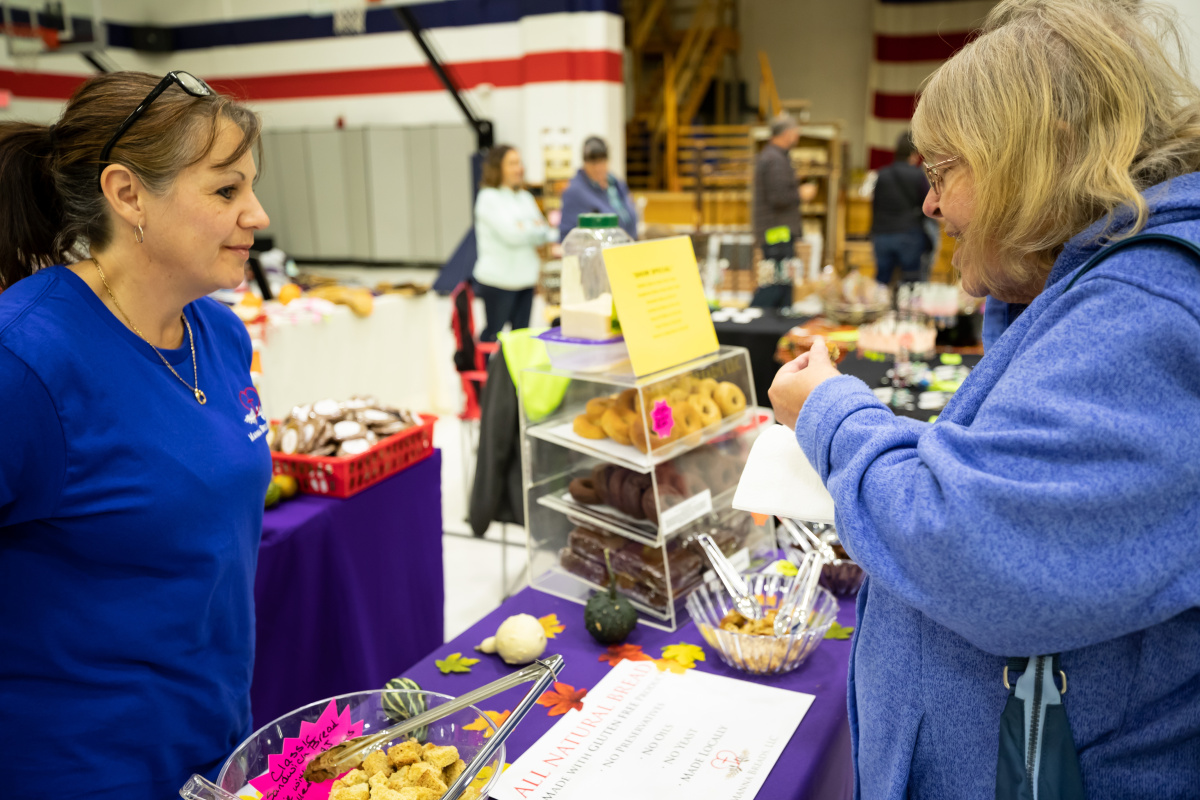 Fall holiday arts and craft fair enters 38th year of for Holiday craft fairs portland oregon