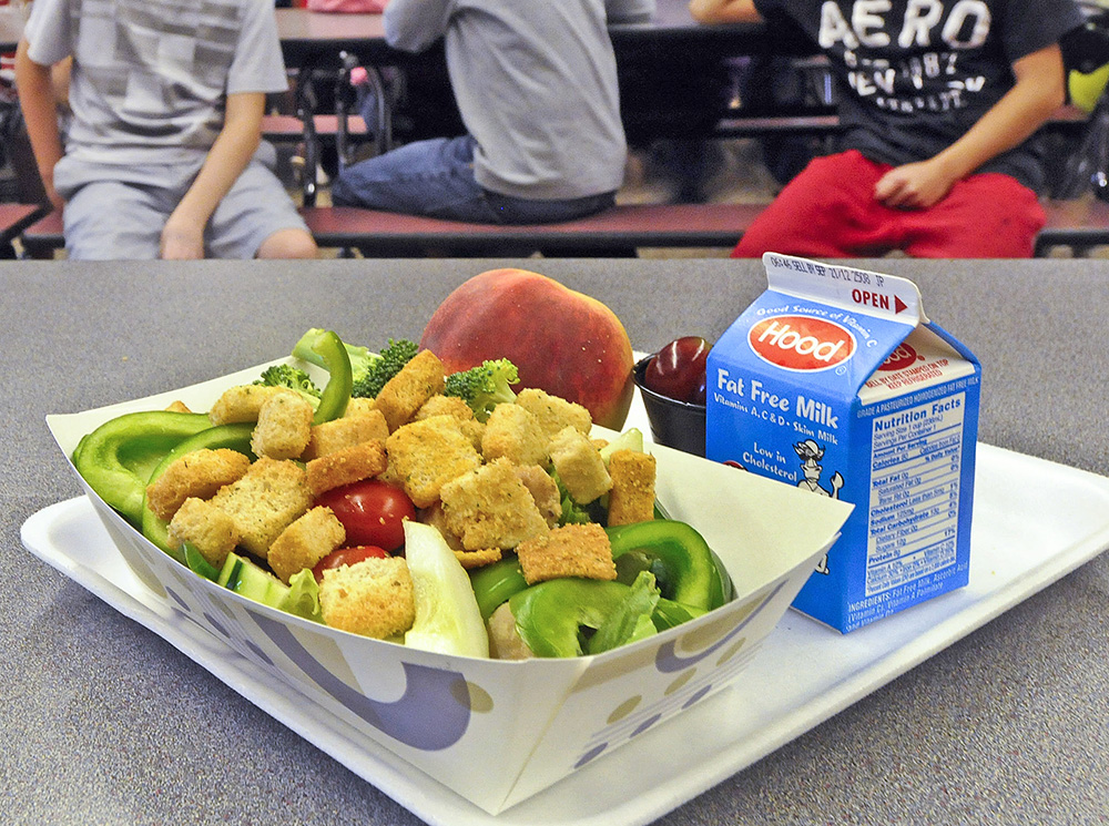 New law aims to reduce food waste in Maine schools - CentralMaine.com