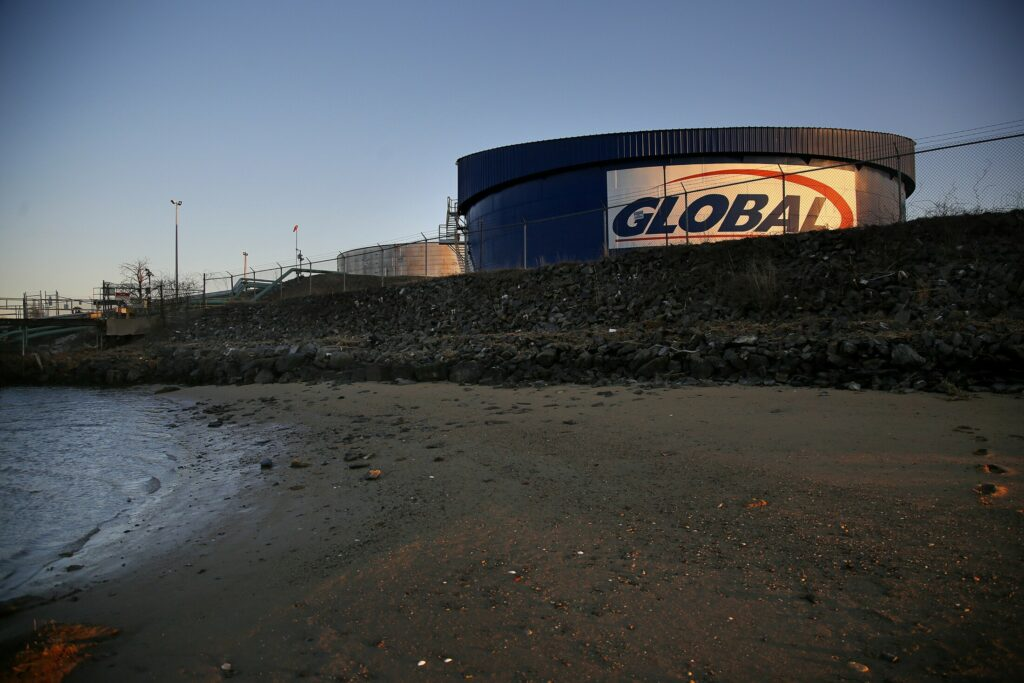 Global Partners LP has agreed to pay fines and upgrade its petroleum storage facilty on the Fore River after being charged with violating the Clean Air Act for more than a decade.