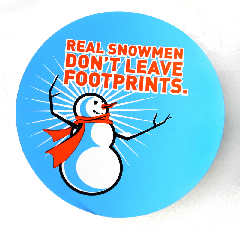 An event sticker promotes environmental care.