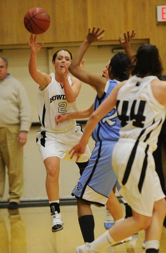 Kaitlin Donahoe of Bowdoin looks down low for an open teammate. Bowdoin led Baruch 38-25 at halftime and remained in control of the game.