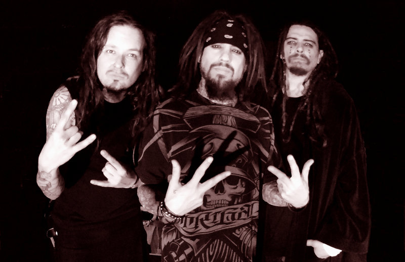 """""""Korn III: Remember Who You Are"""" captures the band's early days and sound. The group decided not to use all of the modern studio tools, aiming instead for """"raw energy."""""""