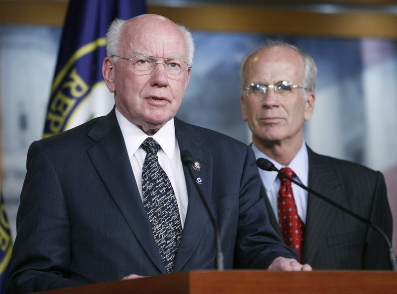 Rep. Vernon Ehlers, R-Mich., left, and Rep. Peter Welch, D-Vt., discuss the Home Star Energy Retrofit Act on Thursday in Washington. The $5.7 billion bill now goes to the Senate.
