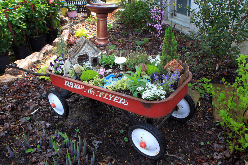 A red radio flyer wagon gets new life in the garden. 10000000 krtfeatures features krtlifestyle lifestyle krtnational national leisure LIF krtedonly mct 10004003 10009000 FEA krtgarden garden gardening krthobby hobby krthome home house housing LEI 2010 krt2010