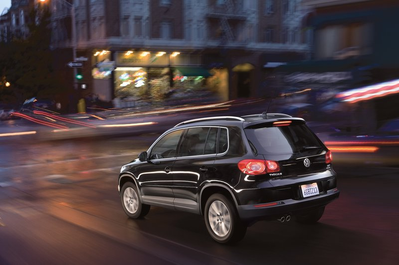 The front-wheel-drive Tiguan seemed sportier than the all-wheel-drive version, perhaps because it was lighter.