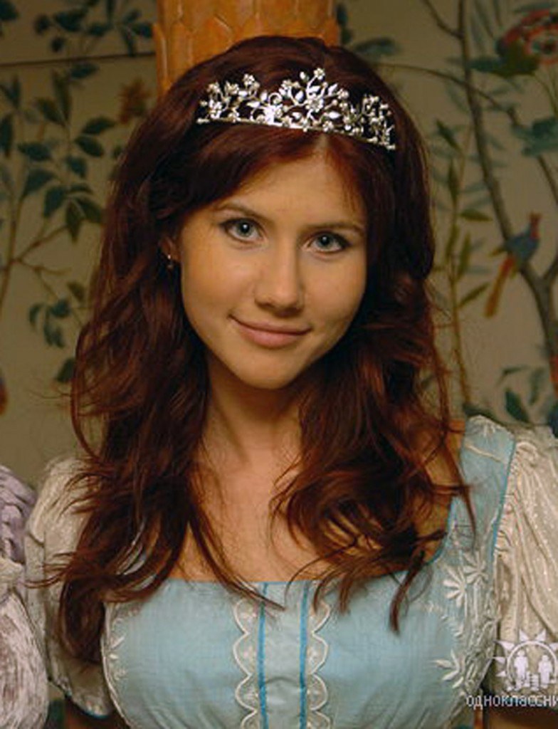 Anna Chapman was questioned about laptop exchanges with Russians during Thursday's hearing.
