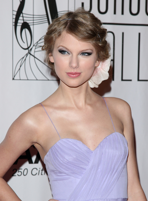 Taylor Swift attends the 2010 Songwriters Hall of Fame awards gala in New York. She will soon be in Maine to debut the video she shot here.