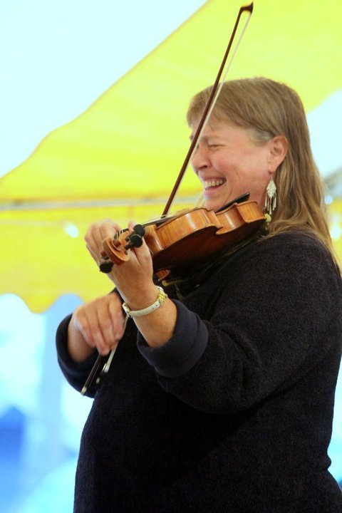 Ellen Gawler, fiddler and caller.