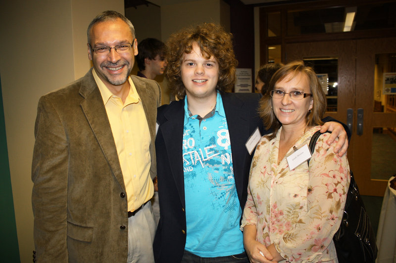 Dean's Scholarship recipient Jordan Maroon, flanked by his father, Derek Maroon, and his mother, Gayle Maroon.