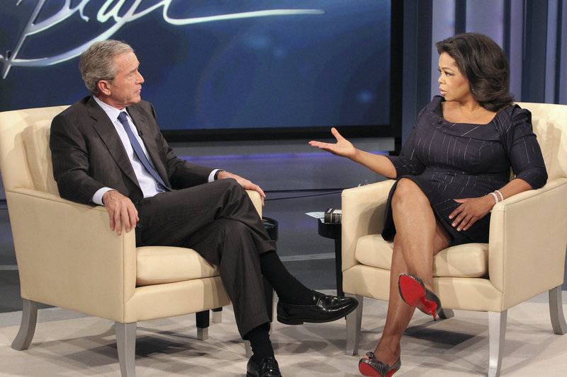 "Talk-show host Oprah Winfrey interviews former President George W. Bush during taping of ""The Oprah Winfrey Show"" at Harpo Studios in Chicago on Oct. 28. During the show, which will air nationally Tuesday, Bush avoided commenting on Sarah Palin's prospects in 2012. ""I - I have no clue,"" he told Winfrey."