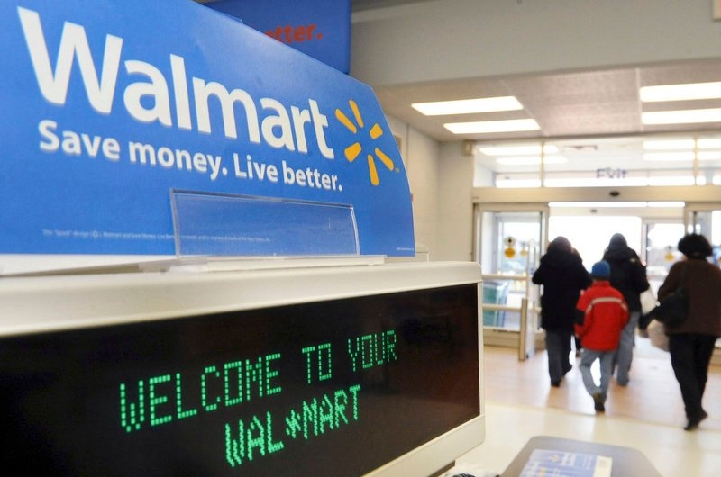Wal-Mart is arguing that a massive class-action lawsuit alleging job discrimination against female employees unfairly lumps thousands of employees from stores across the U.S.