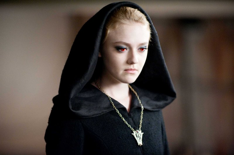 Dakota Fanning joins the cast of The Twilight Saga in Eclipse.