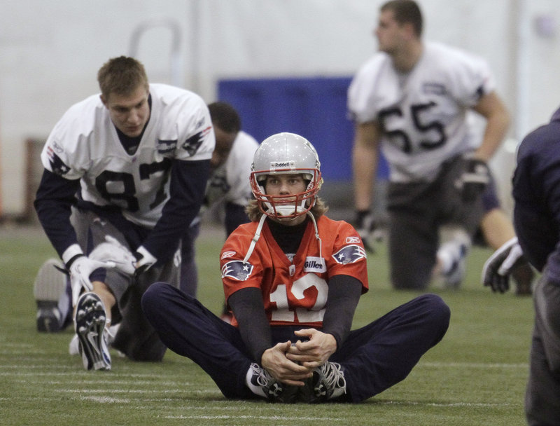 Tom Brady has been stretching opponents' defenses to the limit recently. He leads the NFL with 27 TD passes and has led the Patriots to a league-best average of 31.6 points a game.