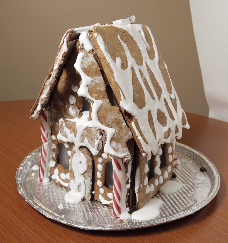 The Gingerhaus Chalet All Natural Baking Kit from Whole Foods is intended to be decorative and not to be eaten, but it fell below expectations for its appearance.