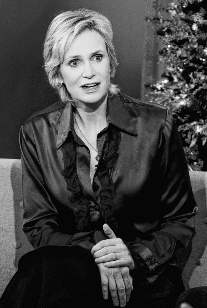 Actress Jane Lynch, promoting an educational campaign on teen mobile phone misuse, say her character on Glee will throw a major hissy fit when the show returns.