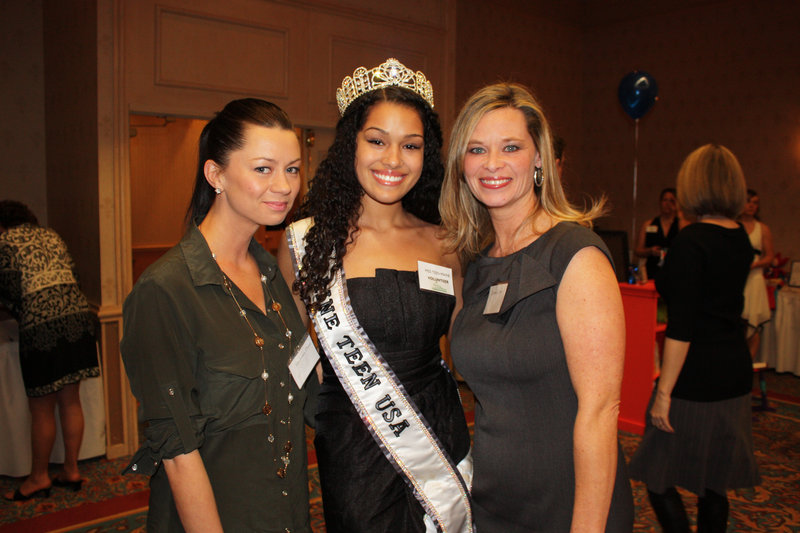 Mackenzie Davis Chelsea, Miss Teen Maine Alexis McIlwain and Destiny Cook, who was co-chair of the auction committee.
